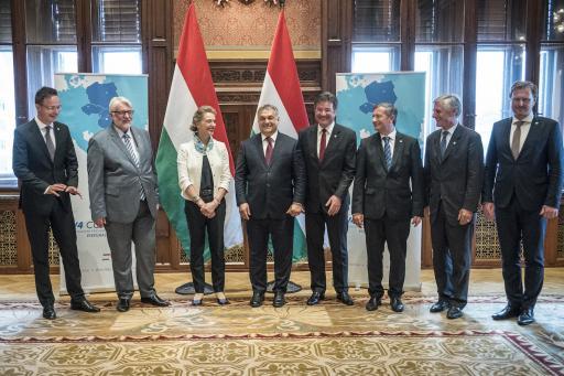 Közép-európai külügyi vezetőkkel tárgyalt Orbán Viktor