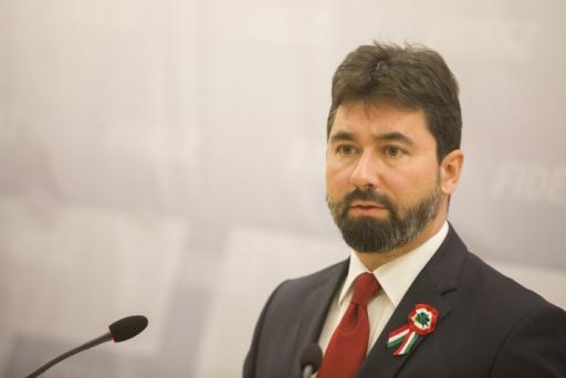 Fidesz: az ellenzék nem tud méltósággal ünnepelni [+videó]
