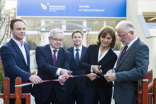 Új szociális és fejlesztő központot nyitott Egerben az Ökumenikus Segélyszervezet