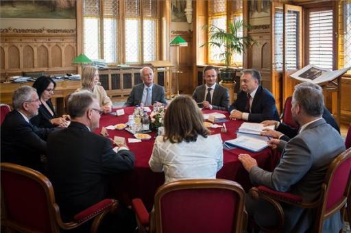Az osztrák államfővel tárgyalt Orbán Viktor