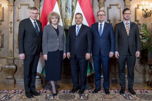 Orbán Viktor az EU jövőjével kapcsolatos elképzelésekről tárgyalt